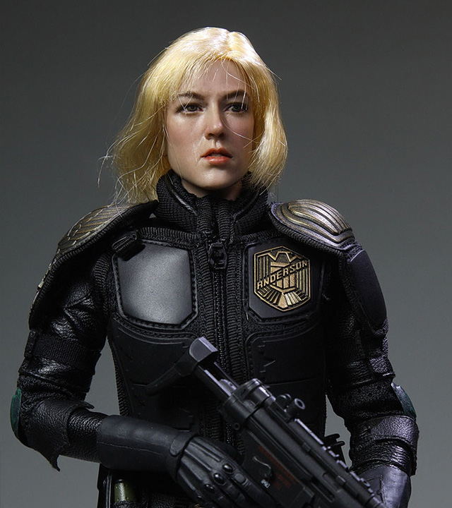 Heavy Armoured Special Cop-Female